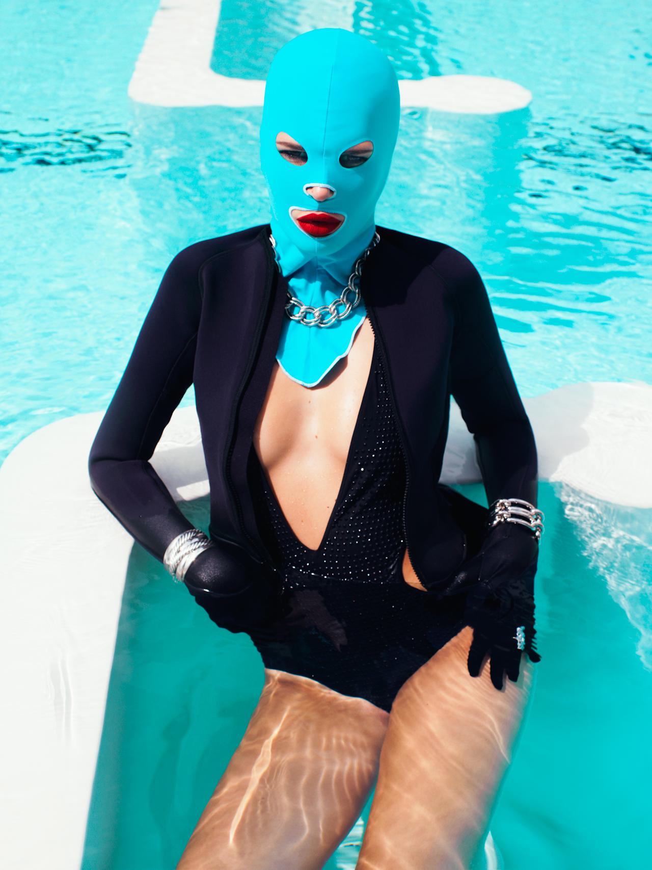 facekini em editorial de moda