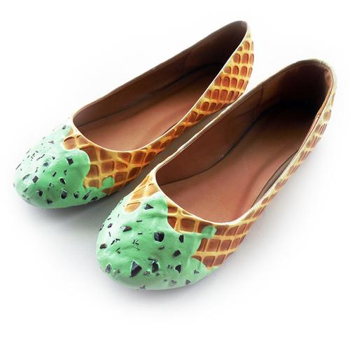 sapatilha da shoe bakery que parece doce