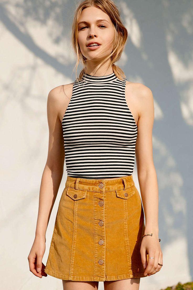 saia jeans de botão com blusa listrada